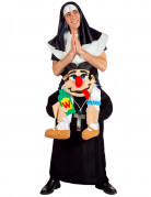 Déguisement bonne soeur portée par un curé adulte