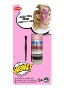 Tour maquillage à l'eau fille avec pinceau et éponge
